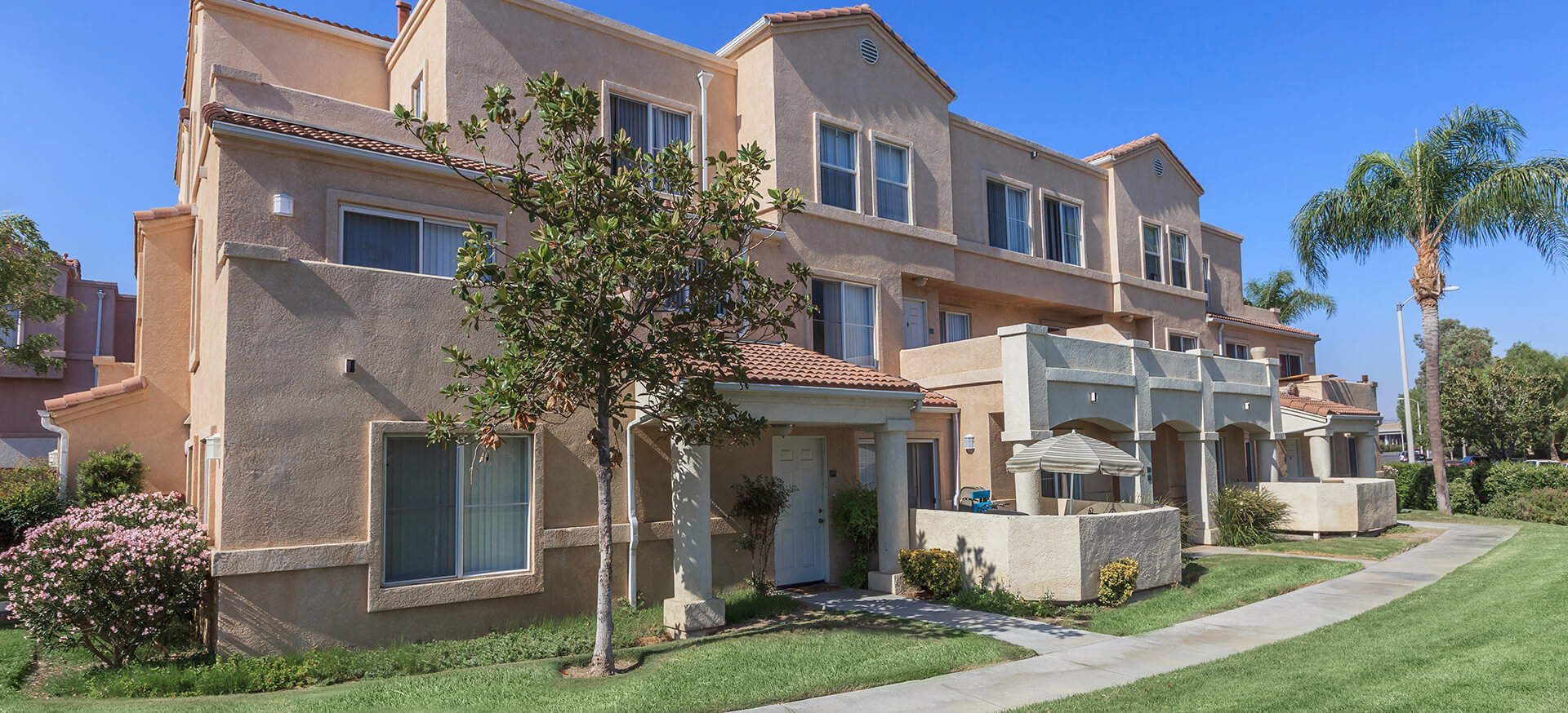 Santa Clarita, California Apartments At River Ranch Townhomes